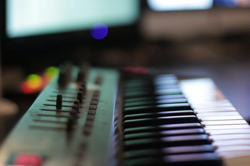 Studio Entre Temps Charles MARTIN Atelier radio TV