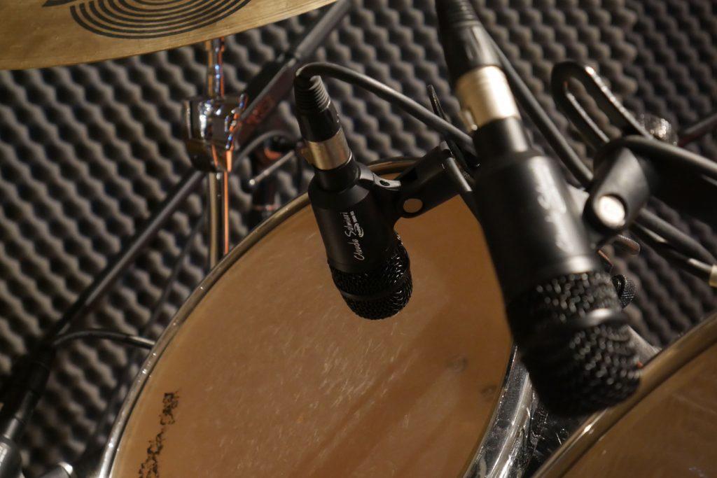 Studio Entre Temps Charles MARTIN Batterie Microphone Micro Prodipe DM8 Claude Salmieri